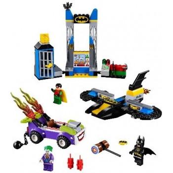 Нападение Джокера на Бэтпещеру 10753 Lego Juniors